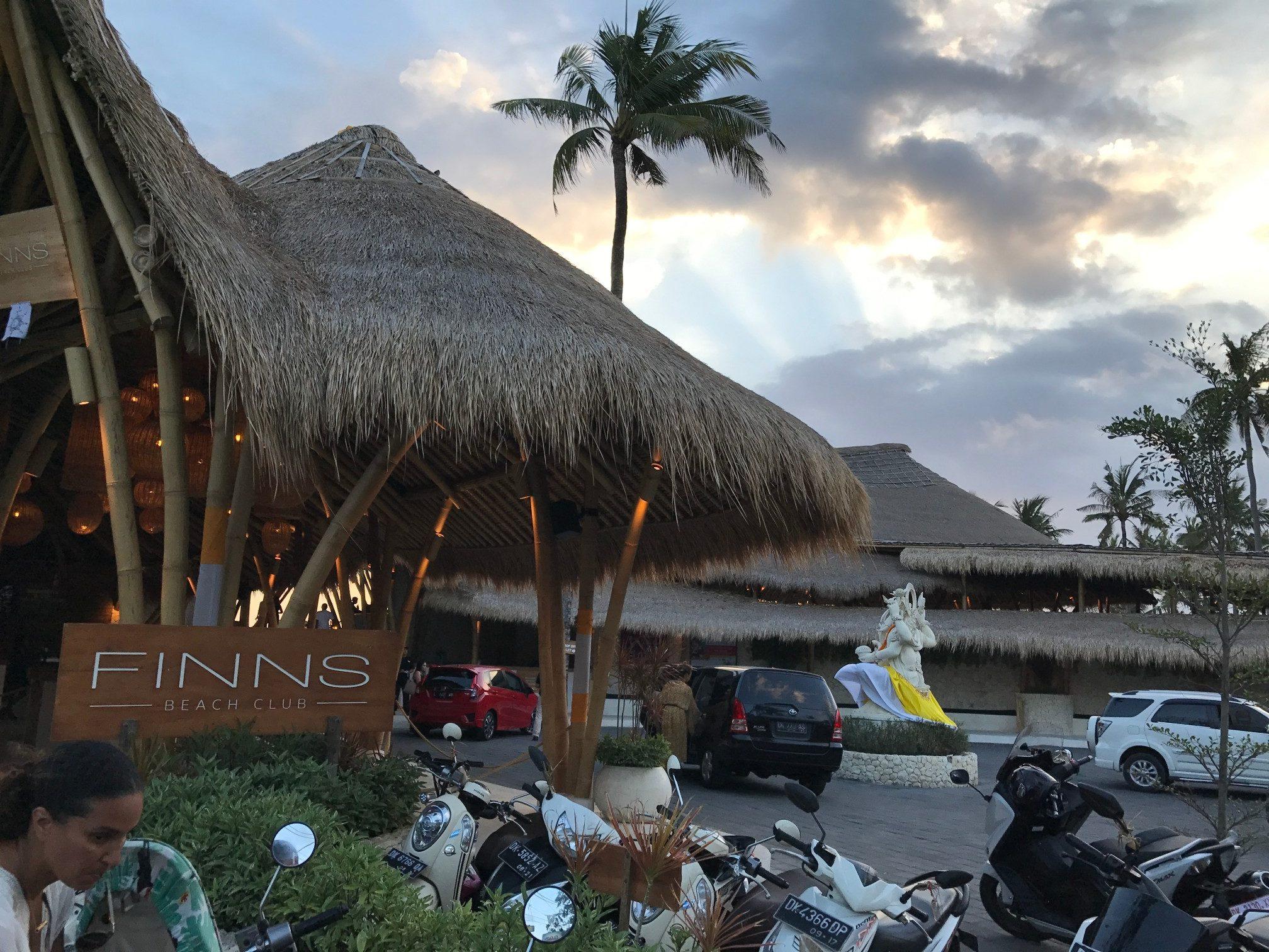 デートにぴったりバリ島で今話題のビーチクラブ FINNS BEACH CLUB1