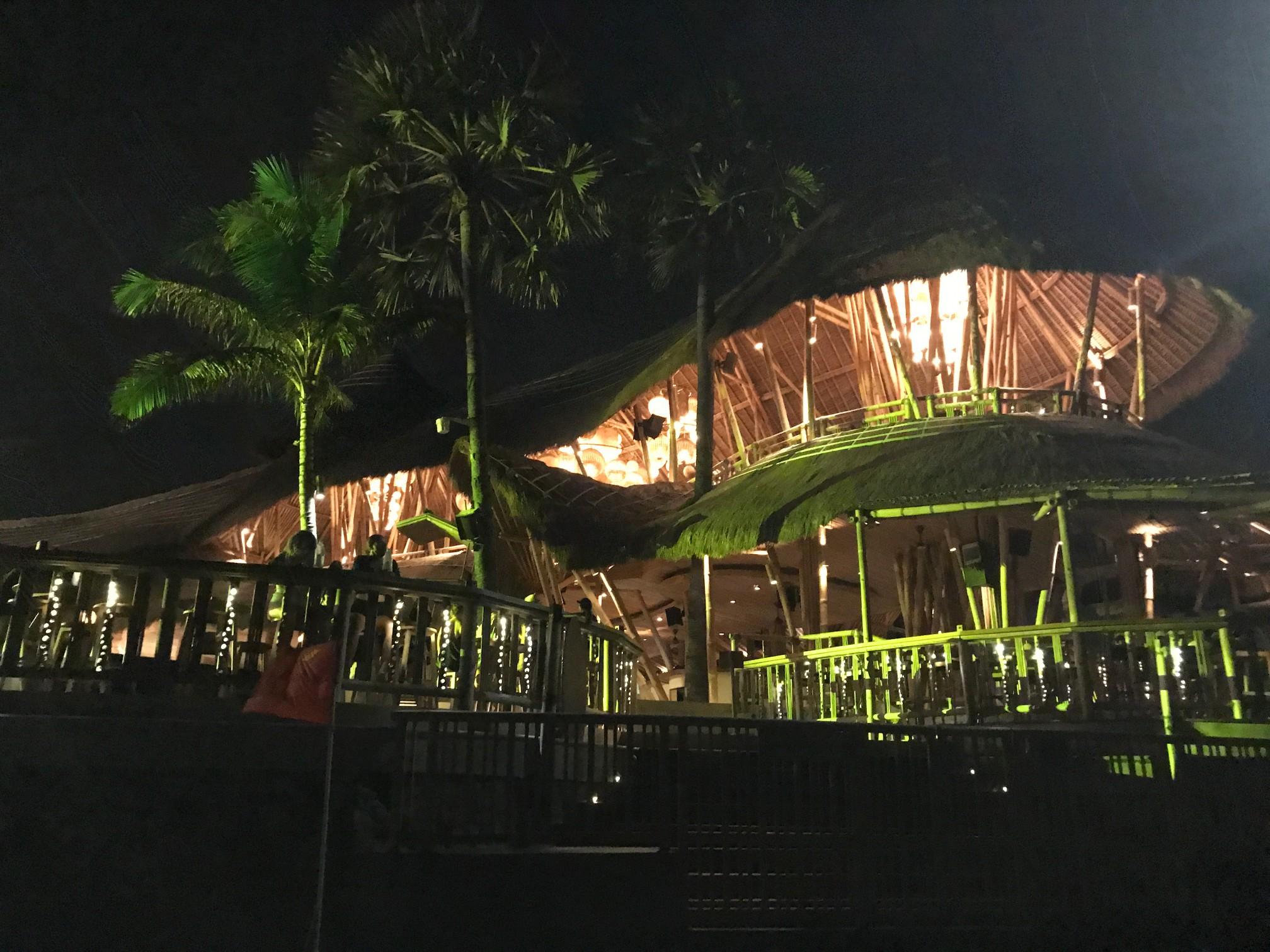 デートにぴったりバリ島で今話題のビーチクラブ FINNS BEACH CLUB11