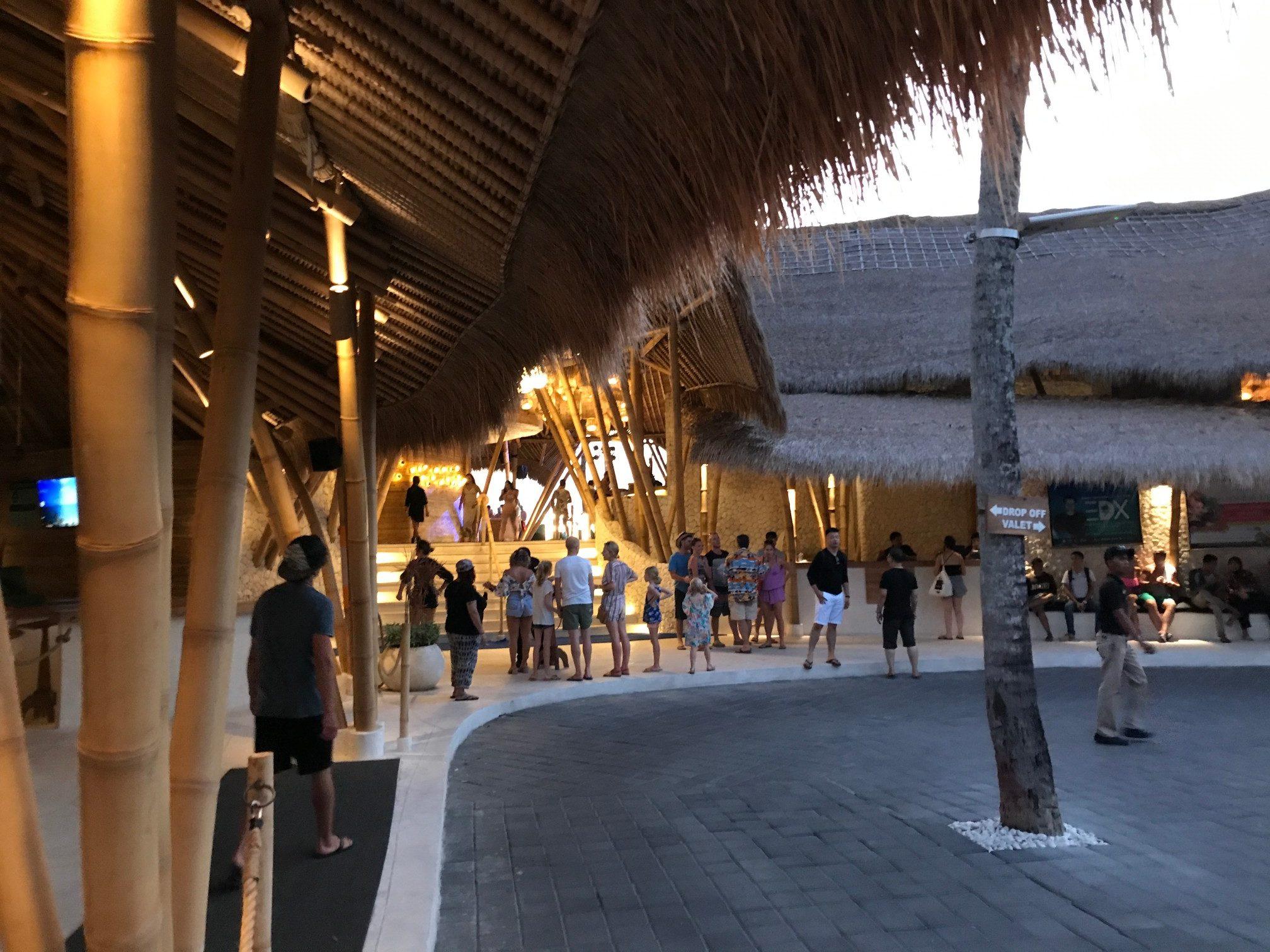 デートにぴったりバリ島で今話題のビーチクラブ FINNS BEACH CLUB2